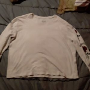 White long sleeve slightly cropped top